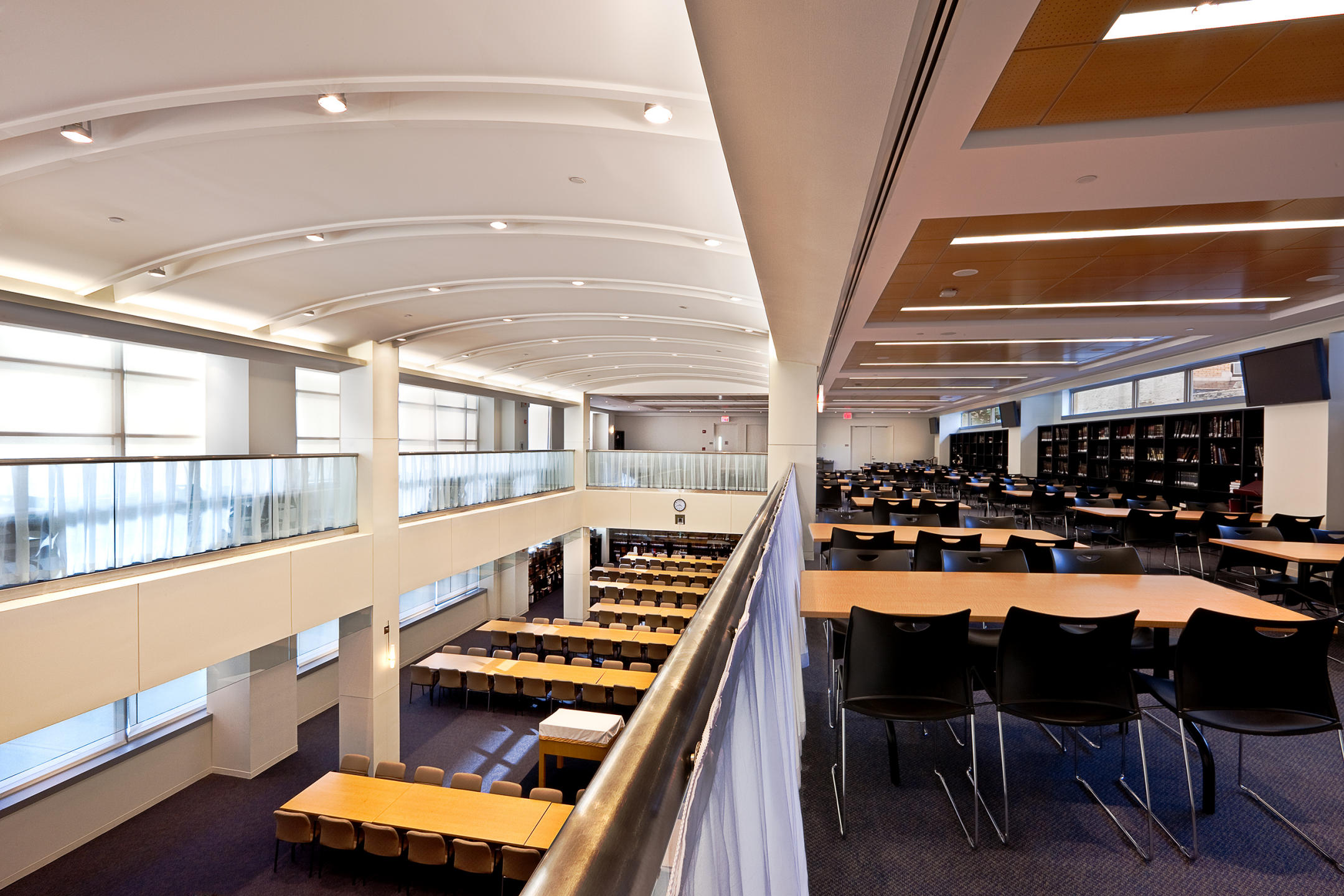 Yeshiva University library and study area as seen from the balcony : MBI Group NYC : New York NY Architectural Photographer | Interior and Exterior